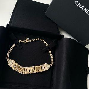 Gold tone pearl & crystal chocker